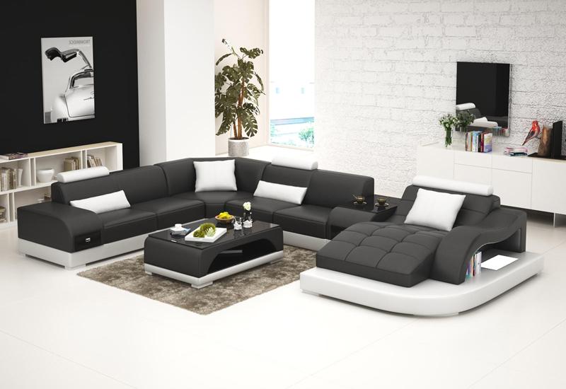 Annika-Black+White